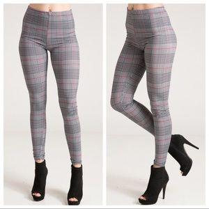Pants - NEW! 🌟Plaid Leggings